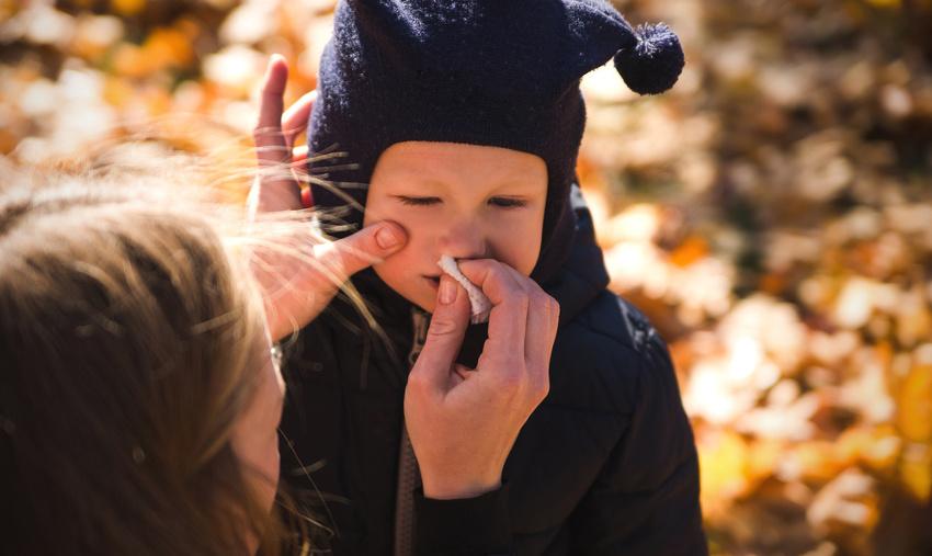 neus afvegen bij dreumes opgedroogd snot weghalen - AllinMam.com