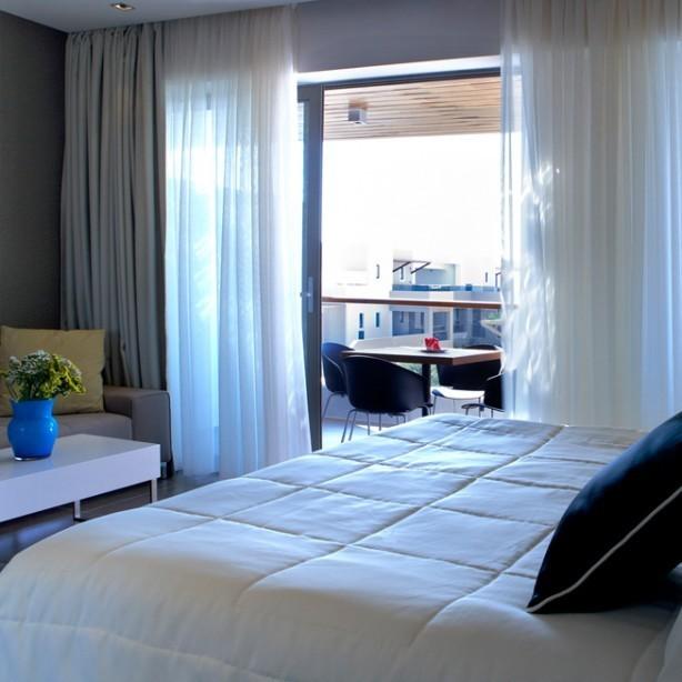 Pelagos familie suite, zicht op balkon