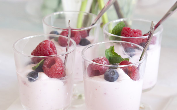 yoghurt mousse met frambozen smaak | AllinMam.com recepten
