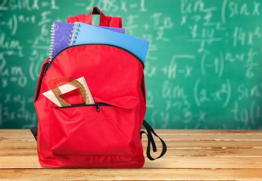 601d16b46ca 2 minuten lezen. 5 tips voor het kiezen van de perfecte schooltas voor  middelbare school - AllinMam.com