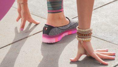 Photo of Lopen op kleine deeltjes yogamat: Skechers GOflex Walk