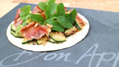 Photo of Tortilla mini pizza met kruidenkaas en courgette