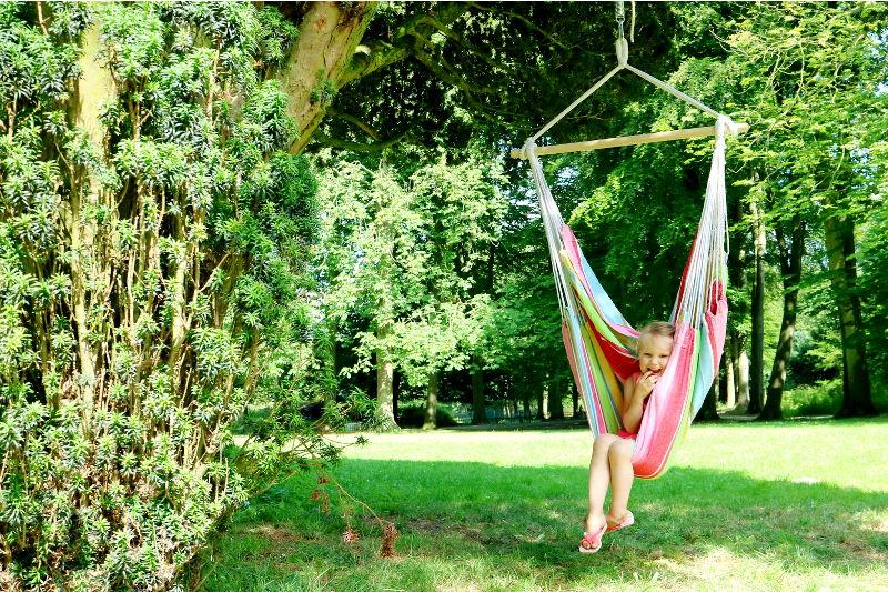Hang Schommelstoel Tuin : Lekker luieren in een kleurige hangstoel winactie allinmam
