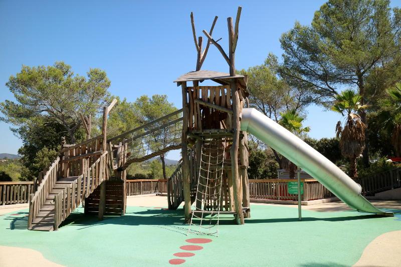 Sûnelia camping playground - AllinMam.com