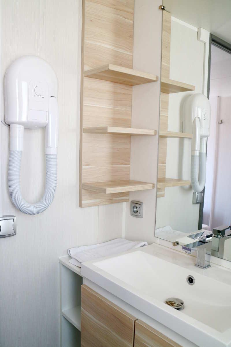 Sûnelia camping Patchwork cottage badkamer - AllinMam.com