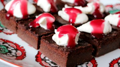 Photo of Brownies met mascarpone en kersensaus