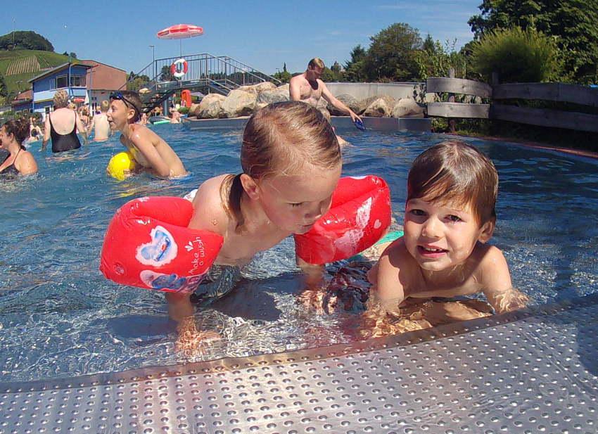 Landal Warsberg; zwembad - AllinMam.com