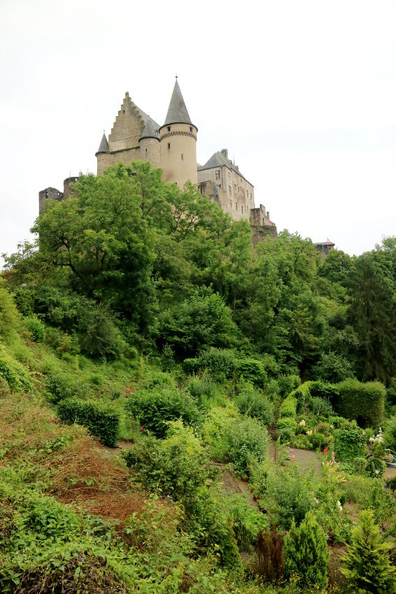 kasteel vianden in luxemburg - AllinMam.com