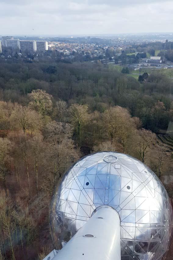 Brussel stedentrip met kind Atomium uitzicht - AllinMam.com
