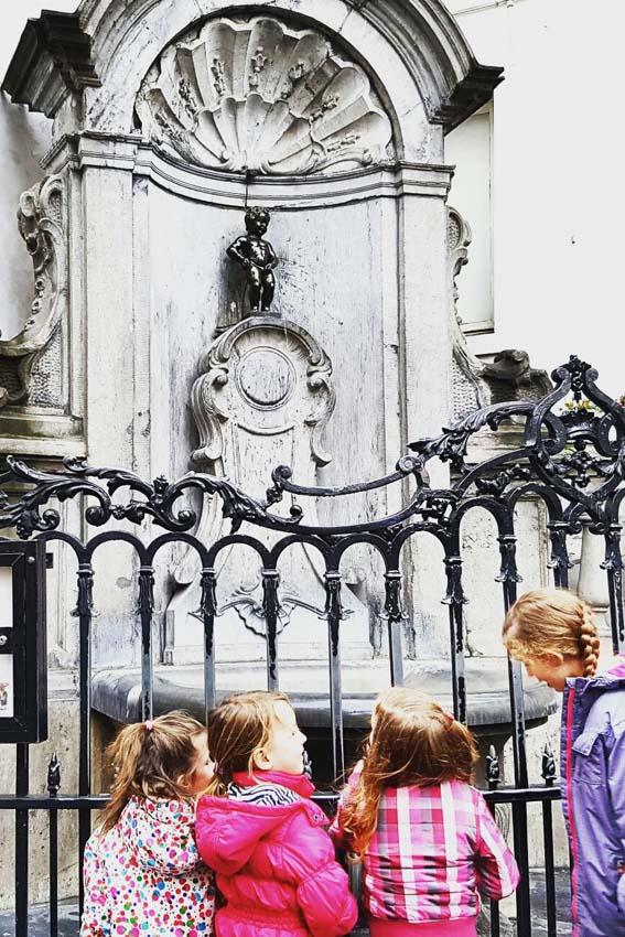 Brussel stedentrip met kinderen manneken pis - AllinMam.com