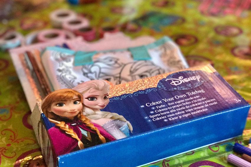frozen feestje vieren Elsa tasje inkleuren - AllinMam.com