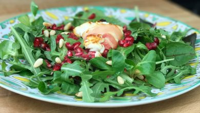 Photo of Lauwwarme salade met geitenkaas en granaatappel