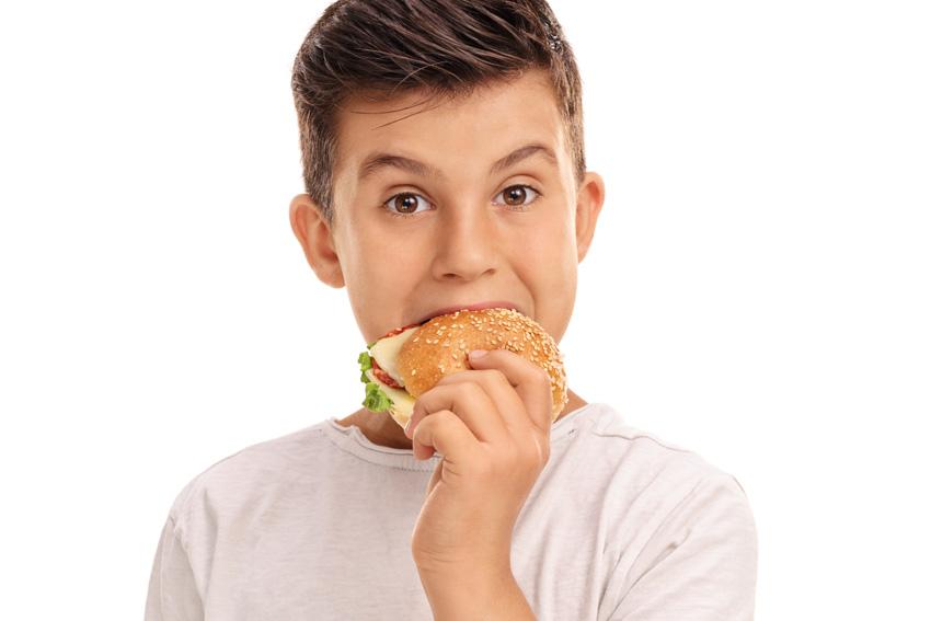Hoe het eetpatroon van een tiener de gezondheid op latere leeftijd beïnvloedt - AllinMam.com