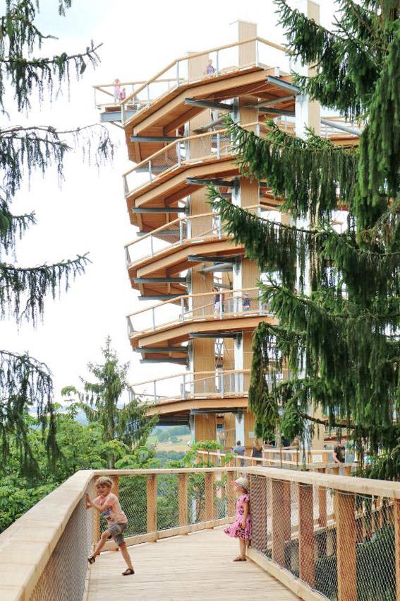 Baumwipfelpfad Saarschleife Orscholz: must-do wanneer je in Saarland op vakantie bent - AllinMam.com