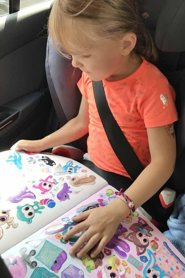 Create Ylvies world stickerboek: ideaal voor op vakantie - AllinMam.com