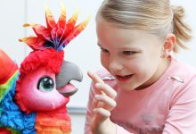 FurReal friends Rock-A-Too, de gezellige papegaai - AllinMam.com