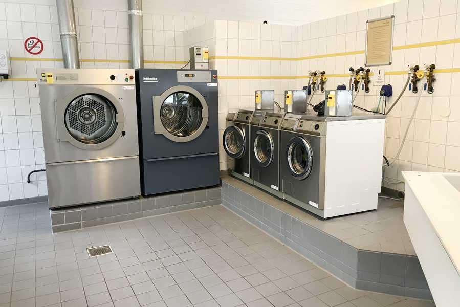 Sanitairgebouw wasmachines Beerze Bulten - AllinMam.com