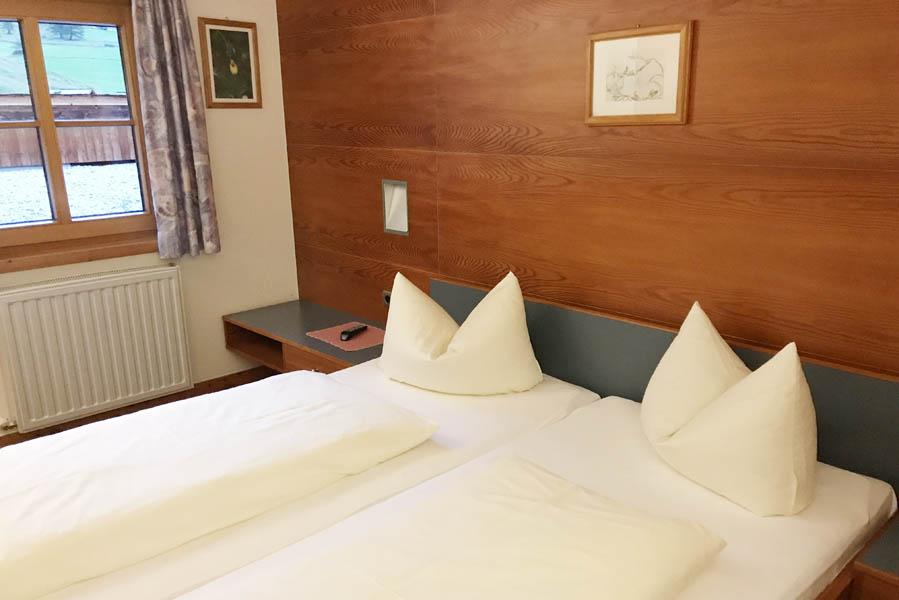 De kamers in Lucknerhaus - Vakantie in Osttirol met uitzicht op de Großglockner - AllinMam.com