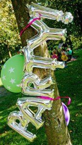 Kleurrijke feestdecoratie + win een naamslinger - AllinMam.com