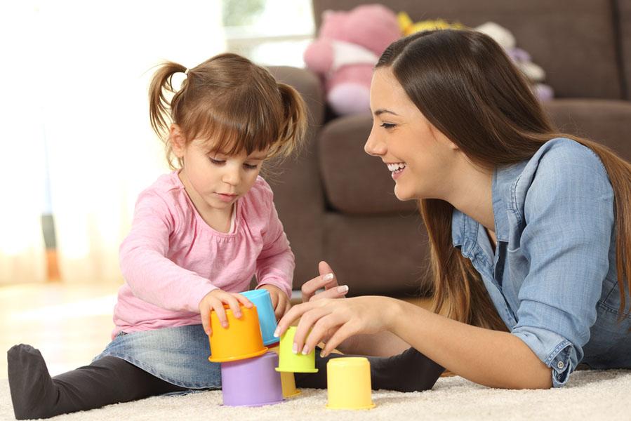 Hoe je kinderen laat wennen aan een nieuwe oppas - AllinMam.com