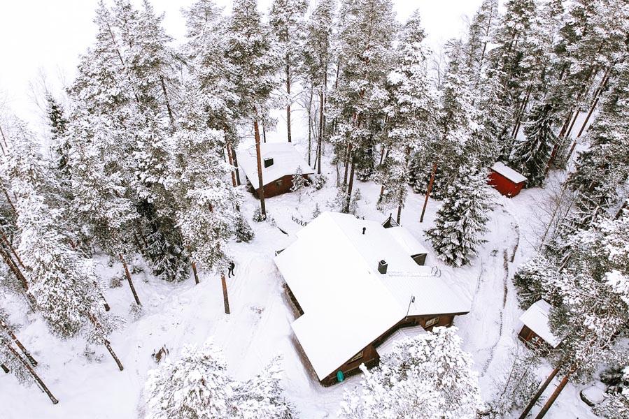 Lehmonkarki wooden log cabin drone picture - AllinMam.com