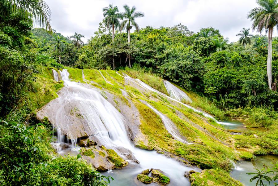 Bezoek met kinderen de El Nicho waterval op Cuba - Met kinderen naar Cuba: wat je niet moet missen - AllinMam.com