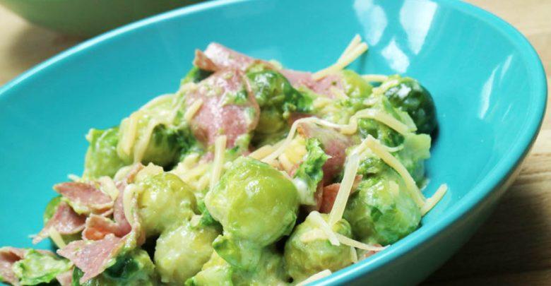 Ketogeen recept met spruitjes en salami - AllinMam.com