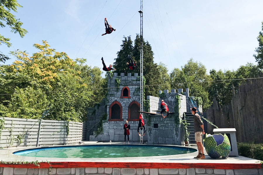 Genieten van shows en attracties inAvonturenpark Hellendoorn - AllinMam.com