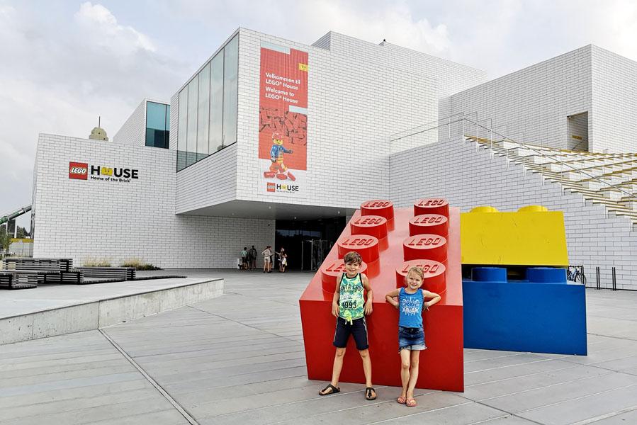 Landal Ebeltoft uitstapjes - Lego House Billund - AllinMam.com