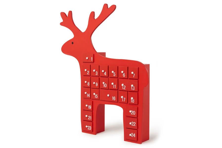 Adventskalender houten rendier met lades - Adventskalender zelf vullen? Check deze leuke exemplaren! - AllinMam.com