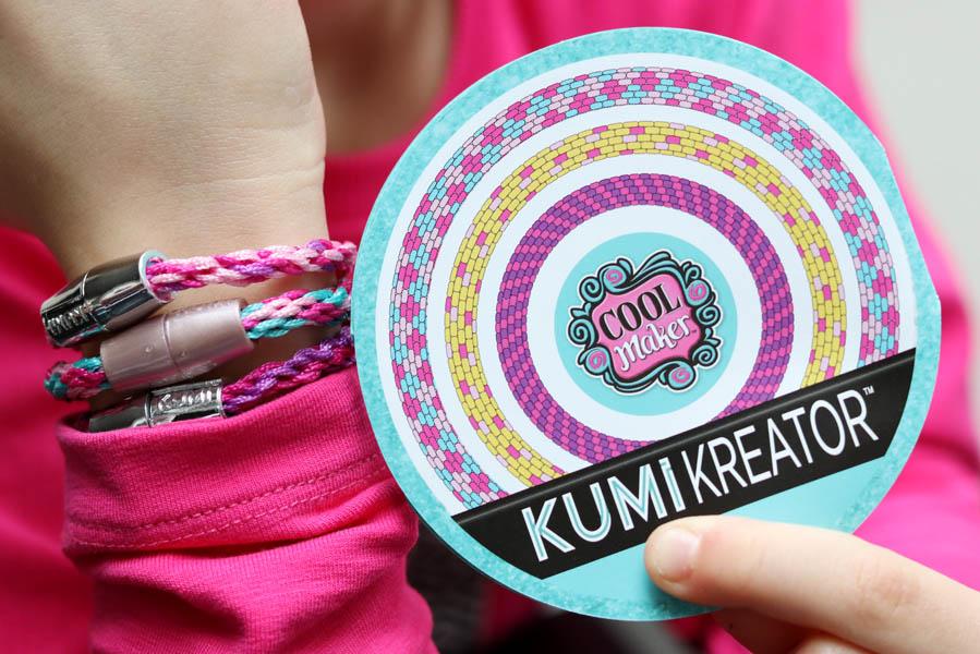 Zelf armbandjes maken met de KumiKreator - AllinMam.com