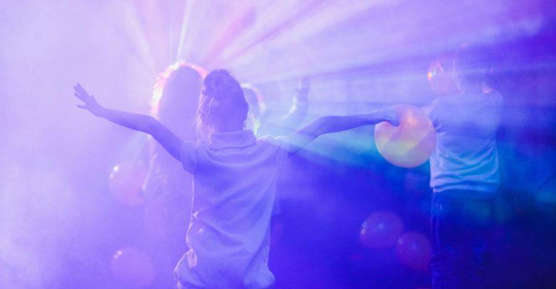 Daar gaat mijn dochter, naar haar eerste disco feestje - AllinMam.com