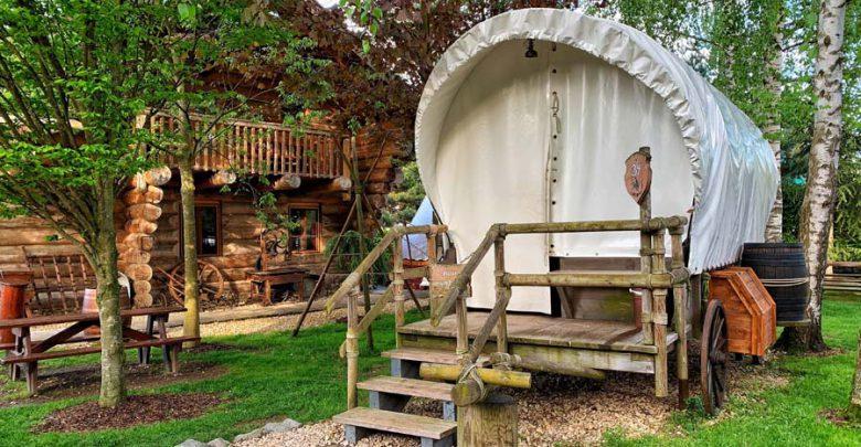 Camp Resort, overnachten in Europa-Park in een huifkar