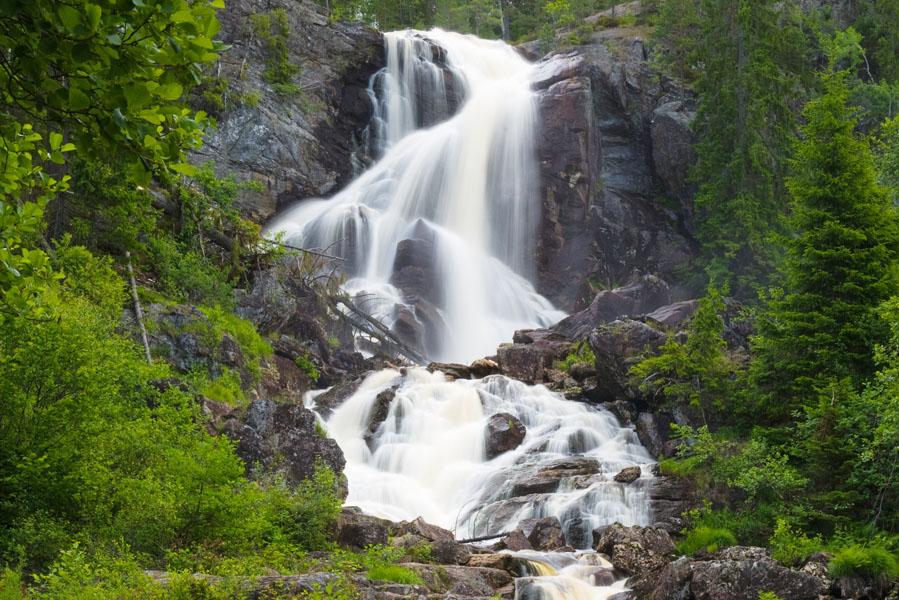 Gezinsvakantie in Zweden: Wat te doen in Värmland? Elgafossen waterval in Värmland - AllinMam.com