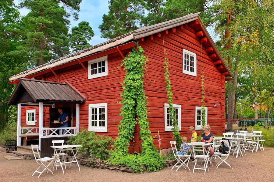 Gezinsvakantie in Zweden: Wat te doen in Värmland? Mariebergsskogen fika in Karlstad Värmland - AllinMam.com