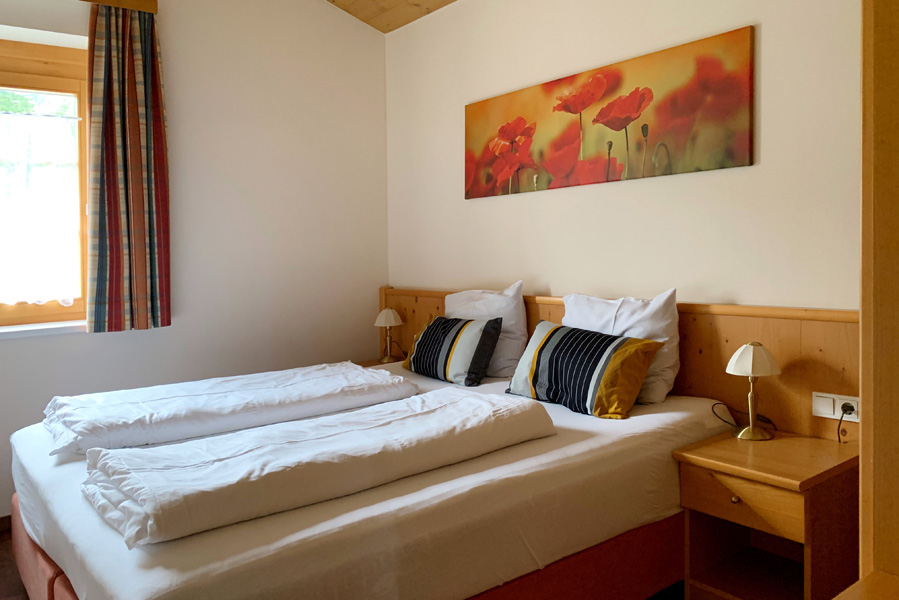landal hochmontafon 6 persoons appartement slaapkamer - AllinMam.com