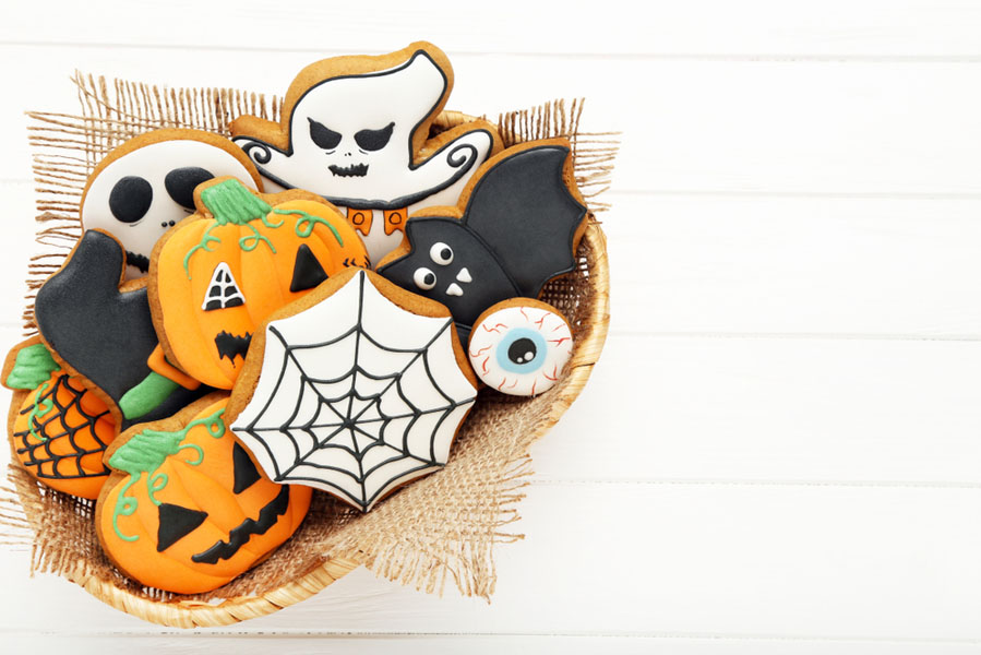 Halloween koekjes maken - 15 Halloween ideeën voor in huis - AllinMam.com