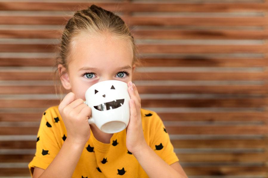 Halloween mok maken - 15 Halloween ideeën voor in huis - AllinMam.com