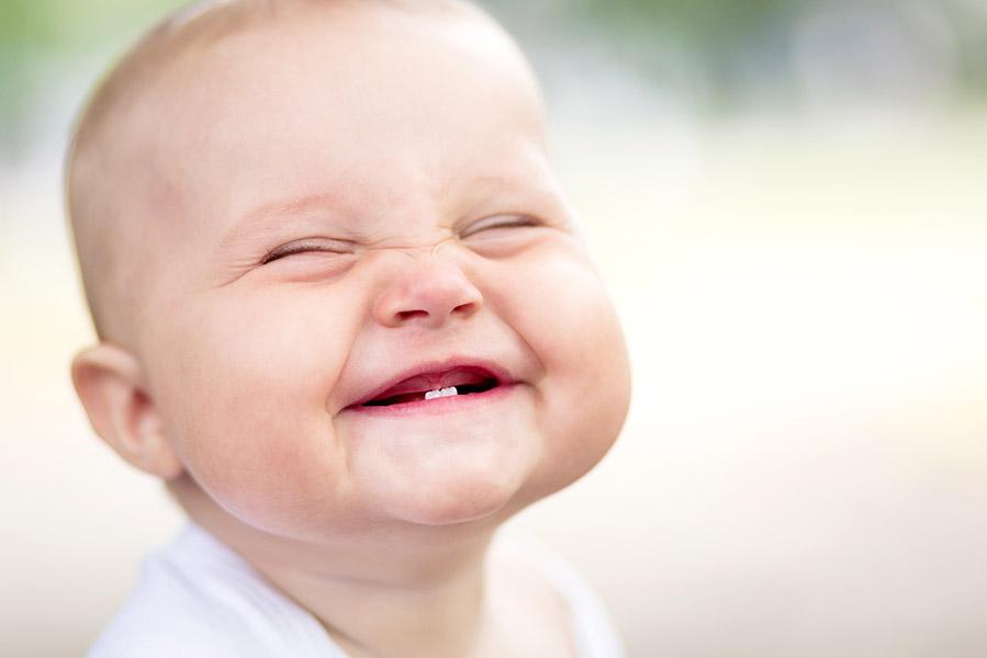 Wat baby's ontzéttend grappig vinden (en de mama's minder) - AllinMam.com